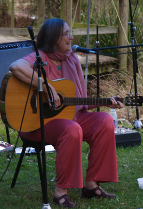 Anne at Redlands Folk Festival 2007